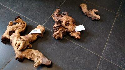 Diverse stukken Mopani hout